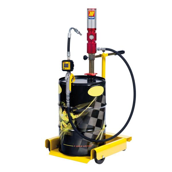 """MECLUBE Wheeled oil set suitable for drums of 50–60 l Delivery capacity 25 l/min R1 hose 1/2"""" - 1"""