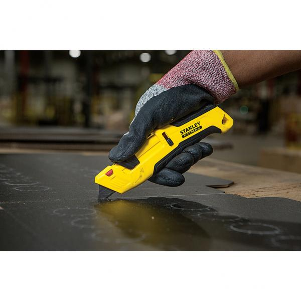 STANLEY Fatmax® safety knife with three-sided slider - 1