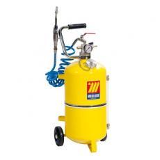 Pneumatic and manual oil dispenser